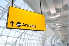 El vuelo, la llegada y la salida suben en el aeropuerto, Fotografía de archivo libre de regalías