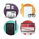 El web y el vídeo diseñan iconos planos ilustración del vector