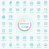 El web y Internet universales nos entran en contacto con línea iconos fijados Web, blog y medios botones sociales El vector Illus stock de ilustración