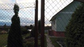 El wicket es cerrado Puerta a dirigirse almacen de video