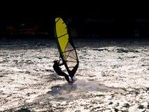 El windsurfer imagenes de archivo
