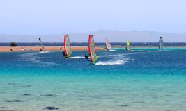 El Windsurfing. Foto de archivo