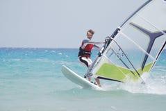 El Windsurfing en el movimiento Fotos de archivo