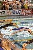 El zambullirse de los nadadores Imágenes de archivo libres de regalías