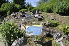 Elancourt F, 7月16日:纪念碑公园的微型再生产的村庄Savoyard从法国的 免版税图库摄影