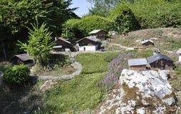 Elancourt F, 7月16日:纪念碑公园的微型再生产的村庄Savoyard从法国的 库存图片