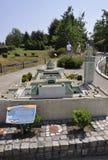 Elancourt F, 7月16日:重创的Mosquee在纪念碑的微型再生产的de巴黎从法国停放 免版税库存图片