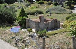 Elancourt f, 16-ое июля: Замок de Montmaur в миниатюрном воспроизводстве памятников паркует от Франции Стоковые Фото