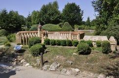 Elancourt F, el 16 de julio: Abbaye de Santo-Antoine en la reproducción miniatura de monumentos parquea de Francia Imagenes de archivo