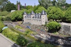 Elancourt F, il 16 luglio: Chateau de Josselin nella riproduzione miniatura dei monumenti parcheggia dalla Francia Immagine Stock Libera da Diritti