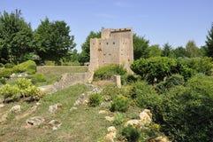 Elancourt F, il 16 luglio: Donjon de Crest nella riproduzione miniatura dei monumenti parcheggia dalla Francia Fotografia Stock Libera da Diritti