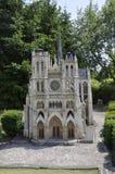 Elancourt F, il 16 luglio: Il ` Amiens di Cathedrale D nella riproduzione miniatura dei monumenti parcheggia dalla Francia Fotografia Stock Libera da Diritti