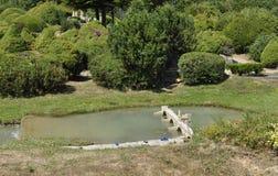 Elancourt F, il 16 luglio: Paesaggio nella riproduzione miniatura del parco dei monumenti dalla Francia Immagini Stock Libere da Diritti