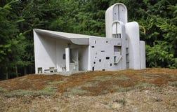 Elancourt F, am 16. Juli: Chapelle de Ronchamp in der Miniaturwiedergabe des Monument-Parks von Frankreich Lizenzfreie Stockfotografie
