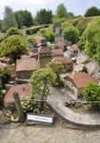 Elancourt F, am 16. Juli: Dorf Jurassien in der Miniaturwiedergabe des Monument-Parks von Frankreich Lizenzfreies Stockbild