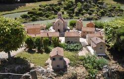 Elancourt F, am 16. Juli: Dorfde Provence in der Miniaturwiedergabe von Monumenten parken von Frankreich Lizenzfreie Stockfotografie