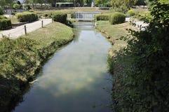 Elancourt F, am 16. Juli: Gestalten Sie Ausflüge in der Miniaturwiedergabe des Monument-Parks von Frankreich landschaftlich Lizenzfreie Stockfotos