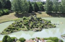 Elancourt F, 16 Juli: Het Eiland van La Corse in de Miniatuurreproductie van Monumentenpark van Frankrijk Stock Fotografie