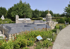 Elancourt F, 16 Juli: Hotel des Invalides van Parijs in de Miniatuurreproductie van Monumentenpark van Frankrijk Royalty-vrije Stock Afbeeldingen