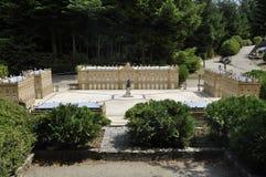 Elancourt F, am 16. Juli: Legen Sie Stanislas de Nancy-Lorraine in die Miniaturwiedergabe des Monument-Parks von Frankreich Lizenzfreie Stockfotos