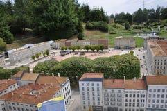 Elancourt F, 16 Juli: Plaats Bellecour Lyon in de Miniatuurreproductie van Monumentenpark van Frankrijk Stock Fotografie