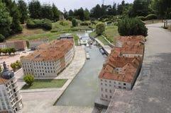 Elancourt F, 16 Juli: Plaats Bellecour Lyon in de Miniatuurreproductie van Monumentenpark van Frankrijk Stock Afbeeldingen