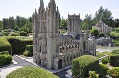 Elancourt F, le 16 juillet : Cathedrale de Coutance dans la reproduction miniature des monuments se garent des Frances Image stock