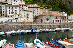 Elantxobe. Baskiskt land Royaltyfri Foto