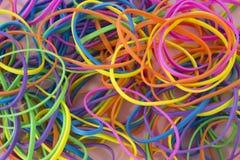Elastici elastici colorati neon fotografia stock libera da diritti
