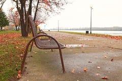 Żelazna ławka w Vukovar Obrazy Stock