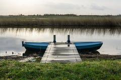 Żelazna barka przy molem w polderze Zdjęcie Royalty Free