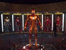 Żelazni mężczyzna 3 kostiumy opancerzenie eksponat w Disneyland Fotografia Royalty Free