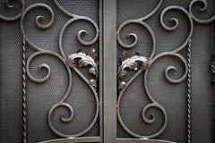 ?elazo bramy, ornamentacyjny skucie, forged elementu zako?czenie zdjęcia royalty free