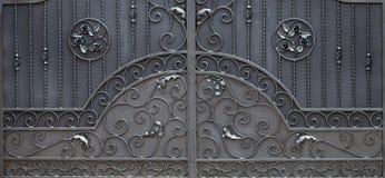 ?elazo bramy, ornamentacyjny skucie, forged elementu zako?czenie obrazy stock