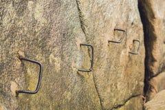 Żelazo kroki na skale, skomplikowany wycieczkuje pojęcie Obraz Stock