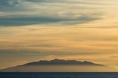 Elba ö på solnedgång Arkivfoto