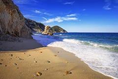 Elba ö, Portoferraio Sansone Sorgente strandkust Tuscany, Arkivbild