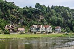 Elbe dolina w Saxony blisko miasta Rathen kurort Obrazy Stock