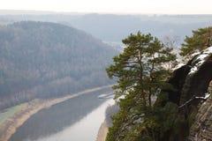 Elbe River i Sachsen Arkivfoton