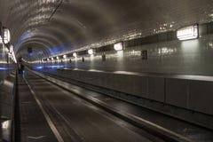 Elbe tunnel i Hamburg arkivbilder