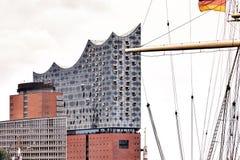 Elbphilharmonie στο λιμάνι του Αμβούργο στοκ φωτογραφίες