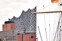 Elbphilharmonie in de Haven van Hamburg Stock Foto's