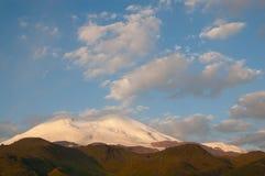 Elbrus ad alba Fotografia Stock Libera da Diritti
