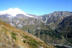 Elbrus - de hoogste berg in Europa royalty-vrije stock foto's