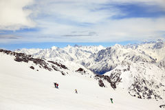 Elbrus s'élevant Photographie stock libre de droits