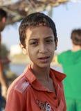 Elbrus See, Ägypten - 24. Juli 2015: Nicht identifizierter ägyptischer Junge Lizenzfreie Stockfotos