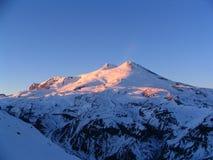 Elbrus in sera di inverno Fotografia Stock