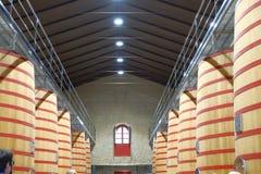 Elciego, Alava Hiszpania Kwiecień 23, 2018: Wnętrze wino loch Rioja dzwonił Marques De Riscal z ampułą Zdjęcia Stock