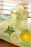 Elderflower柠檬水 免版税库存图片