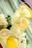 Elderflower柠檬水 库存照片